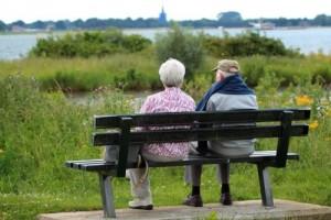 英国从头界说晚年65岁太年青比及70岁再说老吧